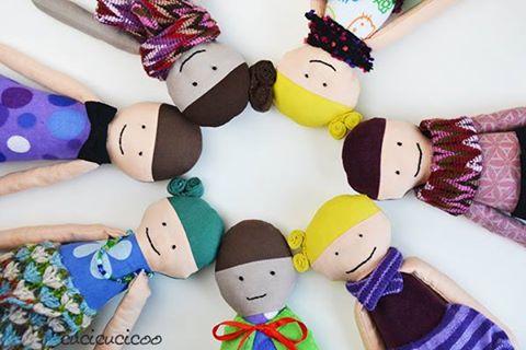 https://4.bp.blogspot.com/-QqBjr3bpxow/WA9z_K3MnzI/AAAAAAAAFAE/WIv92kcUJMYUKgoxtaqRQhAIe0Dklm2gACLcB/s640/lisa-dolls2.jpg