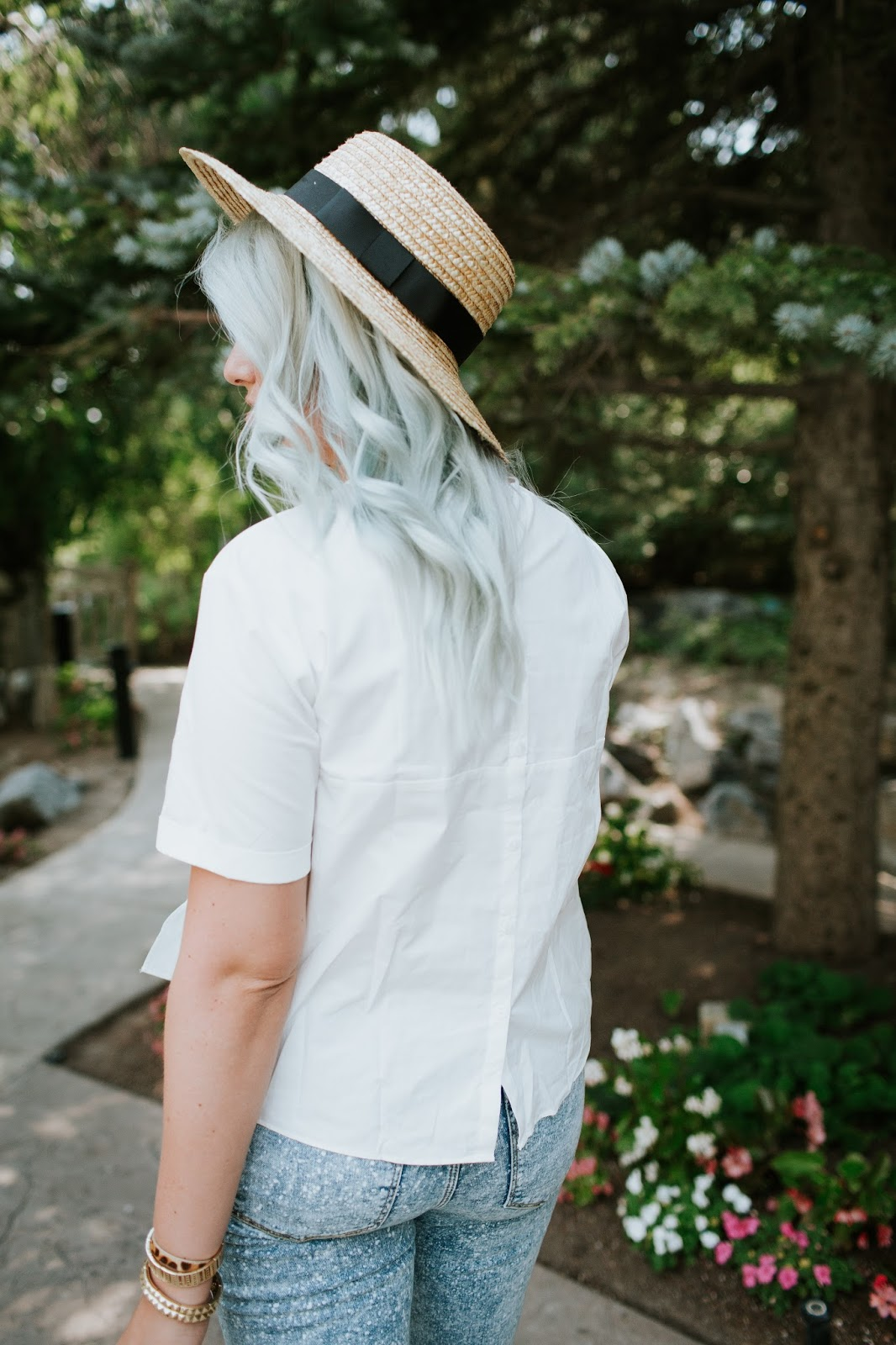 Blue Hair, White Shirt, Details