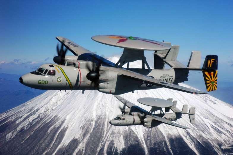 Avión de guerra Grumman E-2D Advanced Hawkeye. Aviones, submarinos y barcos de guerras mas caros del mundo. Cuanto cuesta un portaviones. Cual es el costo de un avión de guerra. Cuanto vale un submarino nuclear.