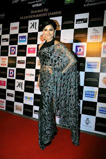 Sexy Bollywood Girls in HI FI Fashion clothes at Dada Saheb Phalke Awards 2017