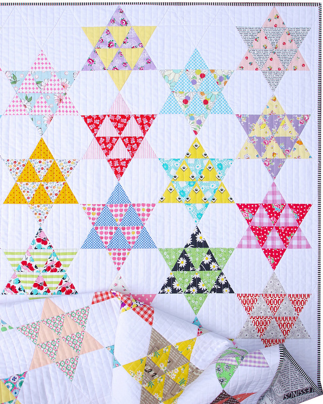 Frankie Quilt - A Finished Quilt | © Red Pepper Quilts 2017