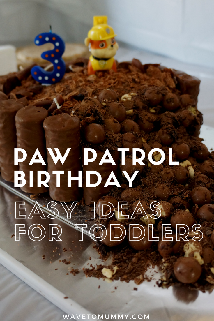 10 easy and simple ideas for a Paw Patrol birthday party for toddlers - including food, biscuits, cake, decoration and entertainment!