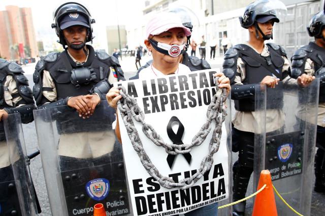 APOYEMOS A LOS HEROES COMUNICACIONALES: El ejercicio del periodismo está cercado por la asfixia estatal a la libertad de expresión