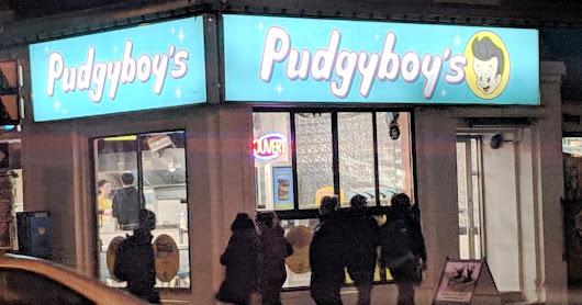 Eating OFF the Hill: Everything is small at Pudgyboy's but the price and the wait