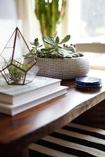Διακόσμηση για τραπεζάκι σαλονιού και coffee table