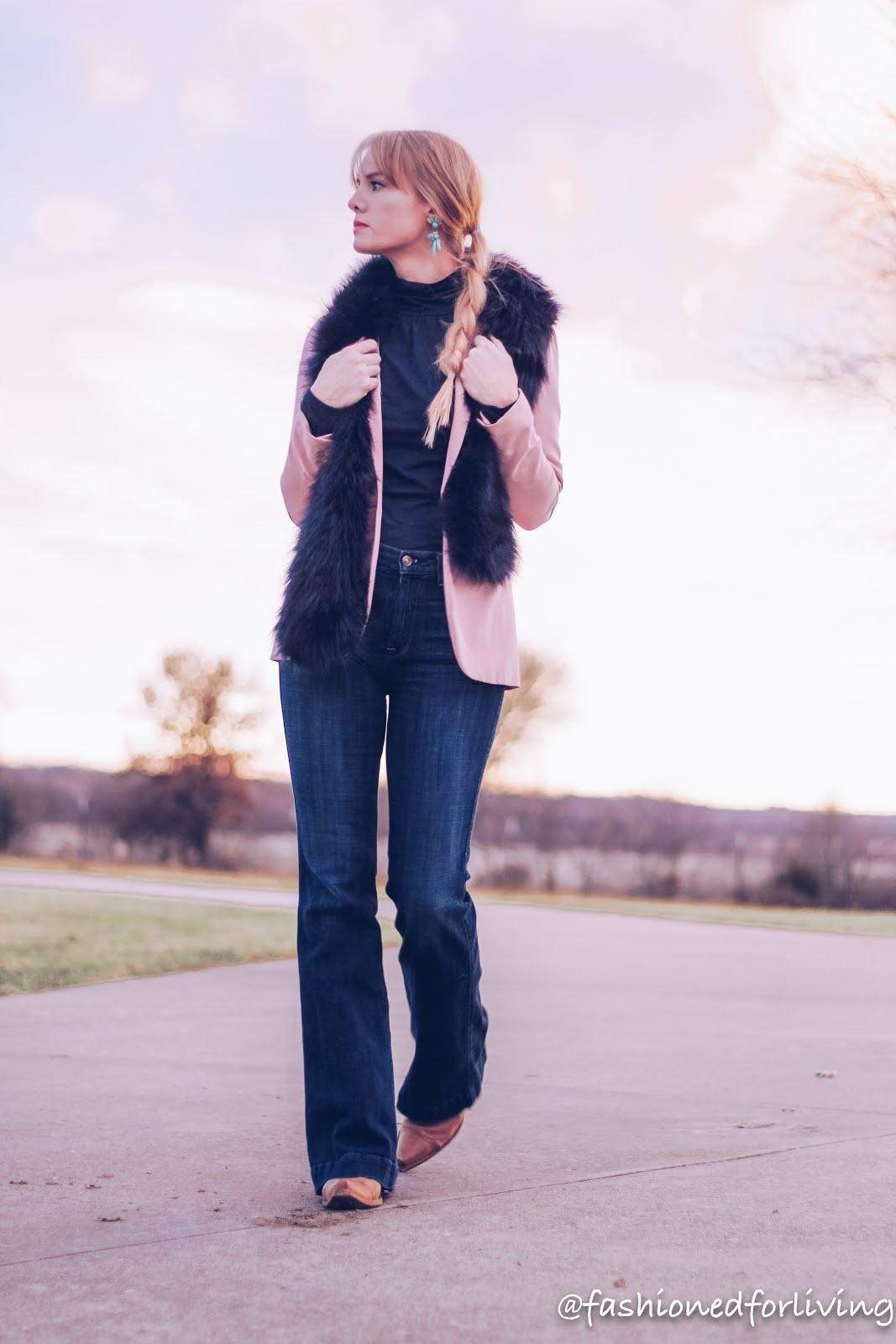 womens cowboy boots and jeans outfit with blush blazer and fur stole