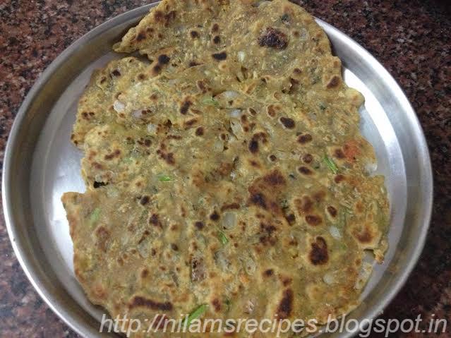 Usal (Sprouted Pulses) Thalipeeth Recipe | Maharashtrian ...