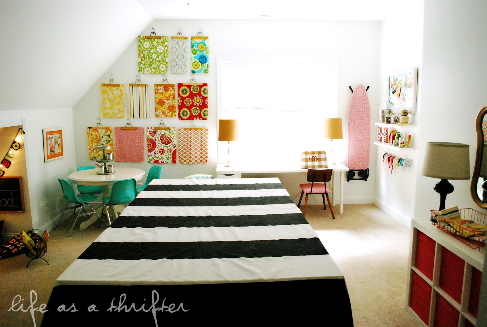 Home Craft Room: Life As A Thrifter: Home Tour: The Playroom/Craft Room