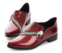 Pembe renkli ve önden çapraz fermuarlı bayan rugan ayakkabısı
