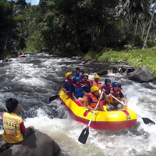 Tinuku Travel Sawangan river rafting down 3-5 grade rapids at 12 points in the Waruga land North Minahasa