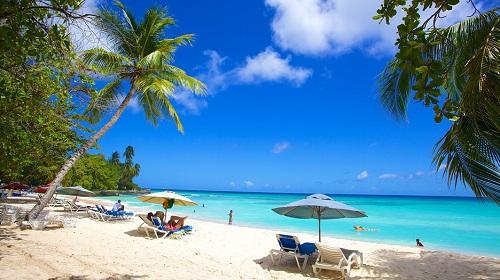 Liburan Ke Pantai dengan Harga Murah