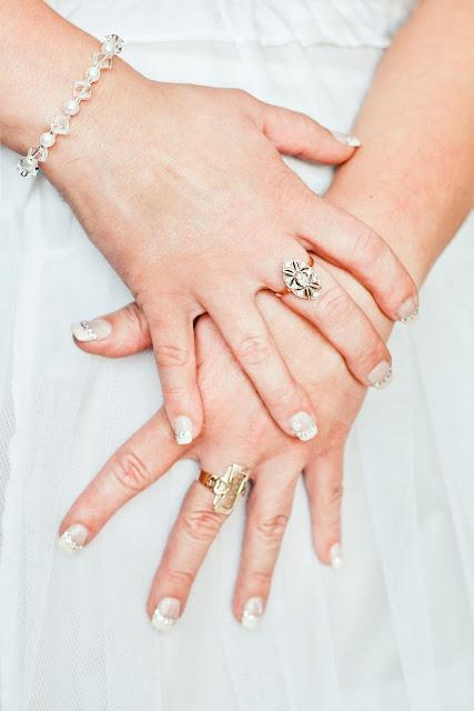 Perhiasan: tabungan untuk orang boros