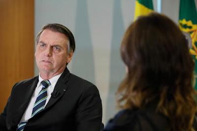 Racismo no Brasil é 'uma coisa rara', diz Bolsonaro a Luciana Gimenez