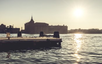 Wallpaper: Sun on the Venice sky