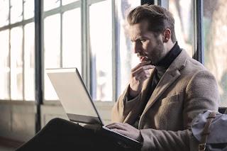 Tanpa Disadari, Ini 5 Tanda Kamu Sudah Kecanduan Bekerja (Workaholic)
