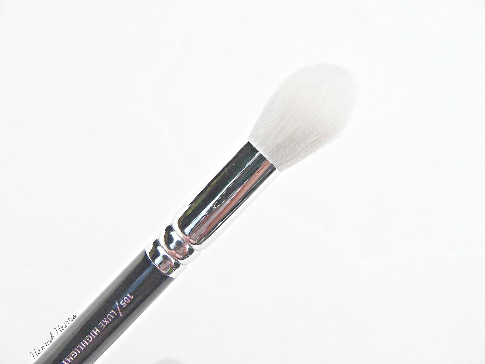 Zoeva 105 Luxe Highlight Brush Review