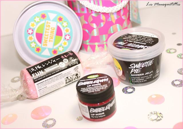 Coffret cadeau Sweetest Thing (Fun Rose, Sweetie Pie et Bubblegum)  LUSH - Les Mousquetettes©