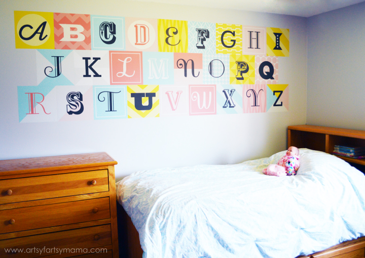 Kids Bedroom Decor with Wallternatives at artsyfartsymama.com #Wallternatives