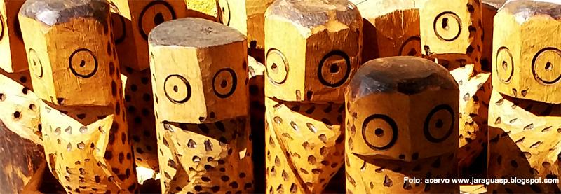 Peças de artesanato produzidas pela índia Marina da Silva Ara Poty, moradora da Tekoa Pyau, uma das aldeias do TI Jaraguá