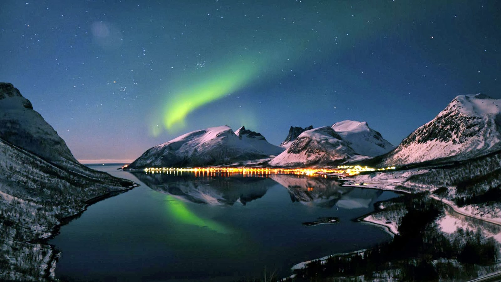 Fondo Escritorio Picos Montañas Nevadas: Fondo De Pantalla Paisaje Montañas Nevadas Con La Aurora