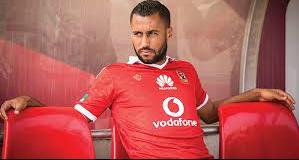 حسام عاشور يغيب عن مباراة الأهلي و الإسماعيلي غدا