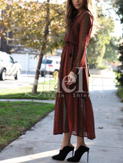 http://es.shein.com/Red-Print-Pleated-Midi-Dress-p-255986-cat-1727.html?utm_source=anouckinhascloset.blogspot.com&utm_medium=blogger&url_from=anouckinhascloset