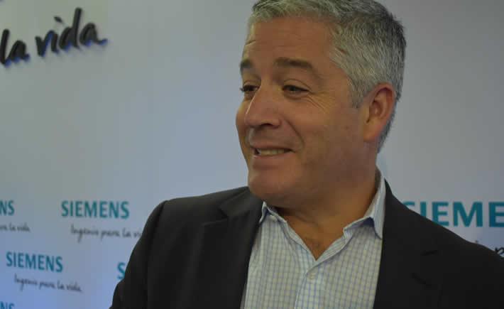Juan Ignacio Díaz, presidente y Director General de Siemens México, Centro América y Caribe, en conferencia de prensa habló de los planes de la empresa alemana en México. (Foto: Vanguardia Industrial)