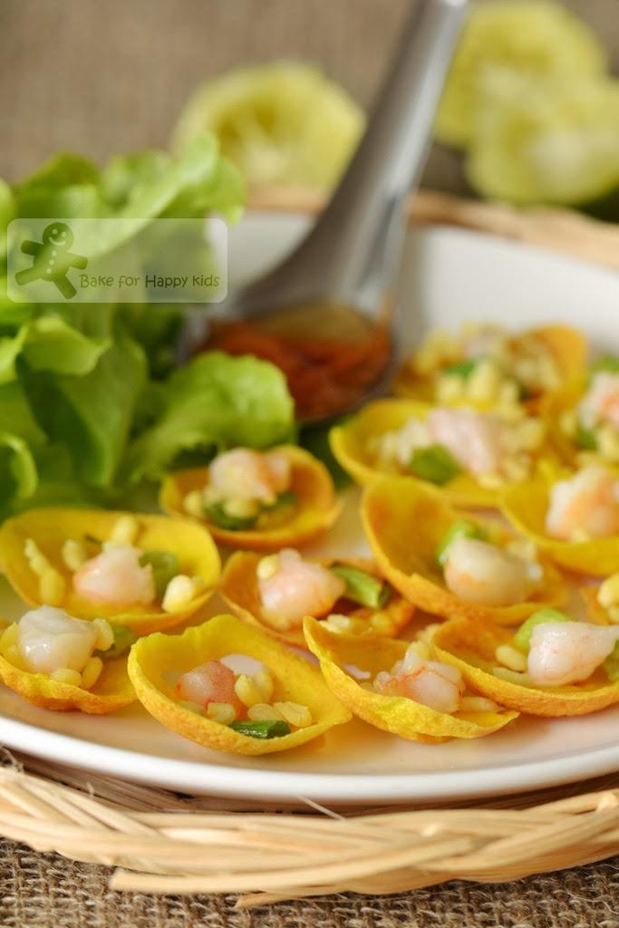 miniature Vietnamese savoury coconut pancakes Banh Khot