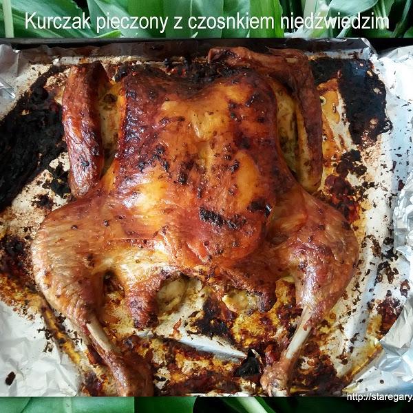 Kurczak pieczony z czosnkiem niedźwiedzim