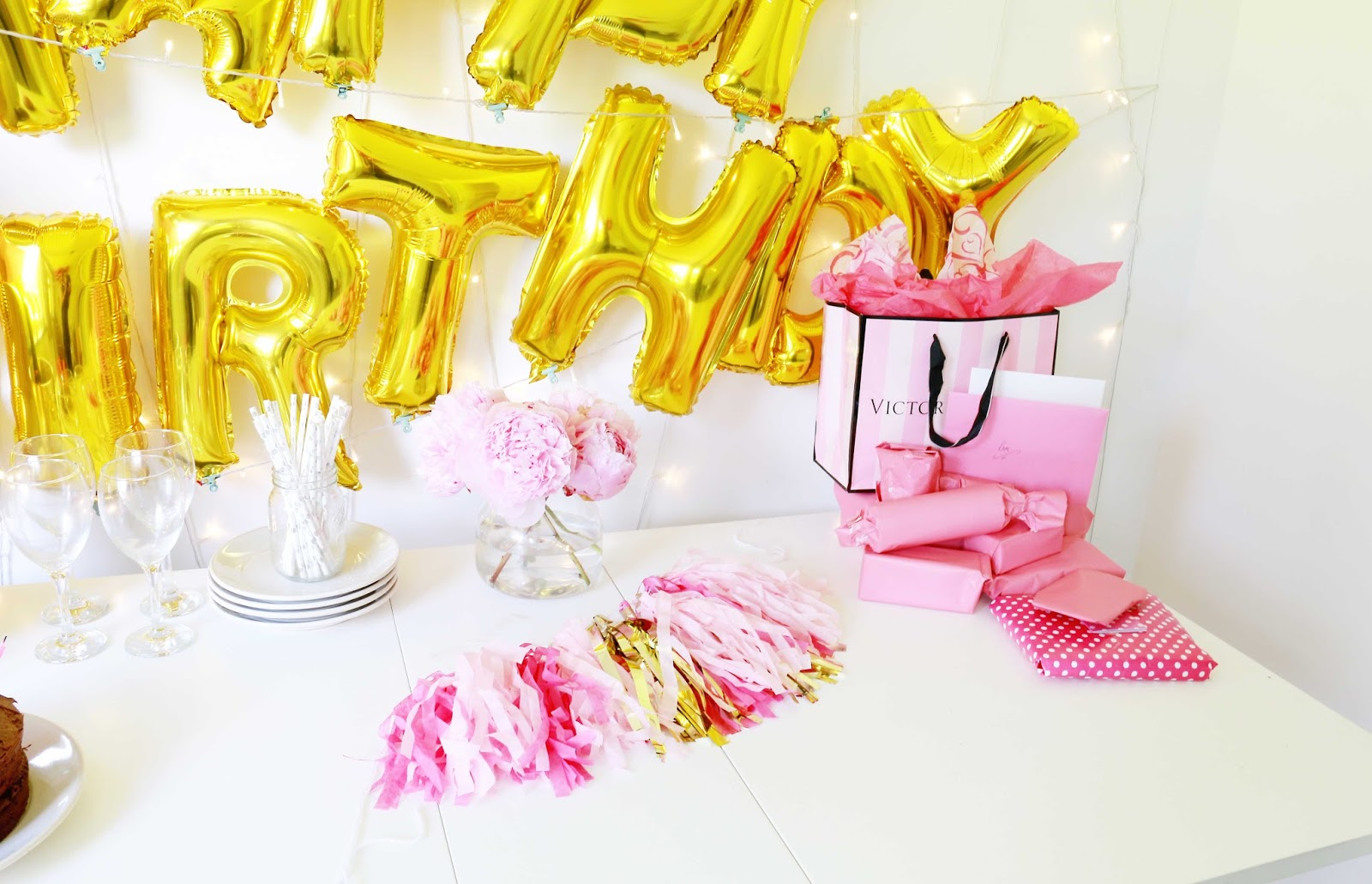 party, how to do birthday brunch on a budget, pinterest, balloons, birthday party, lifestyle, party, cheap party, pinterest party ideas, bithday brunch