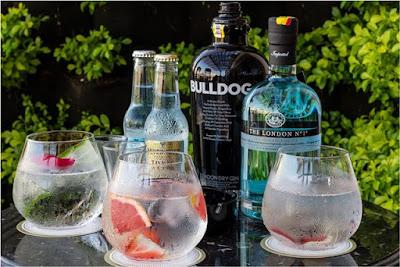 hình ảnh chai rượu Gin