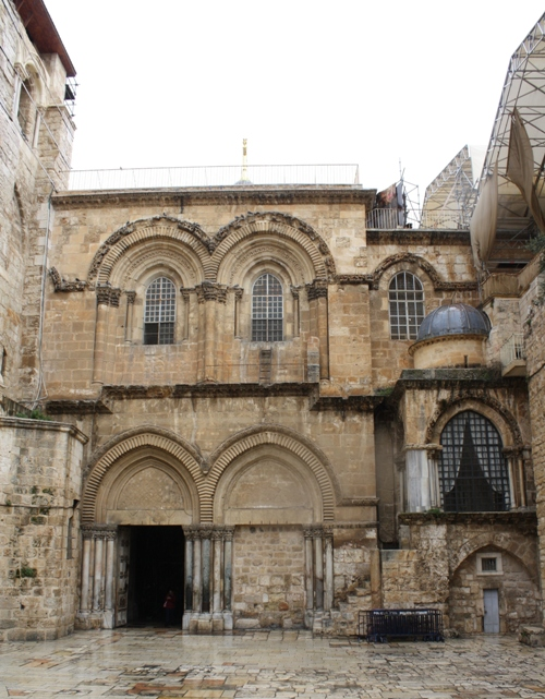 entrance-church-holy-sepulcher