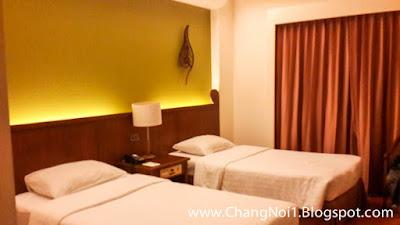 Staying at the Krungsri Riverside Hotel in Ayuthaya - Thailand