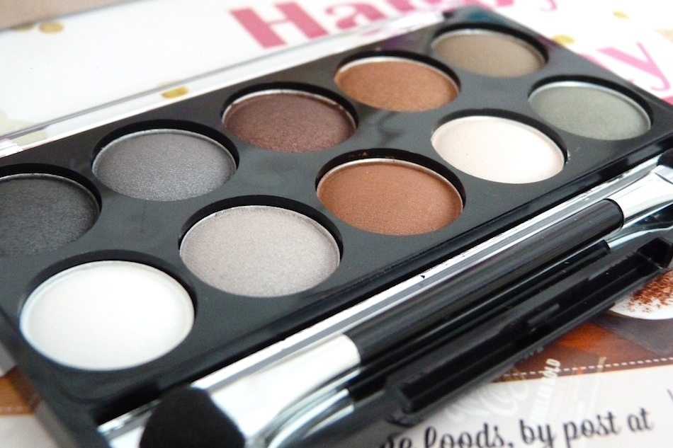 an image of beauty uk eyeshadow palette in earth child