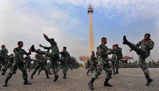 gambar Peragaan beladiri TNI Indonesia