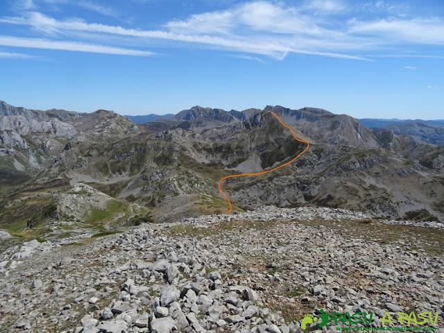 Ruta a Peña Chana: Subida a Picos Blancos