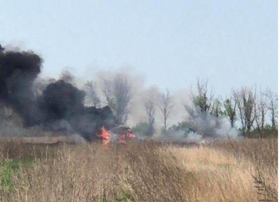 Бойовики обстріляли та знищили автомобіль з гуманітарною допомогою