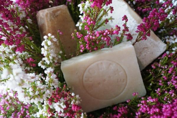 naturalne ekologiczne mydła marchewkowe, makowe, oliwkowe od Piwnica pod Wilczą Jagodą