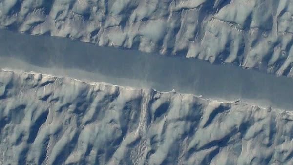FOTOS: cientificos detectan nueva grieta en groenlandia.