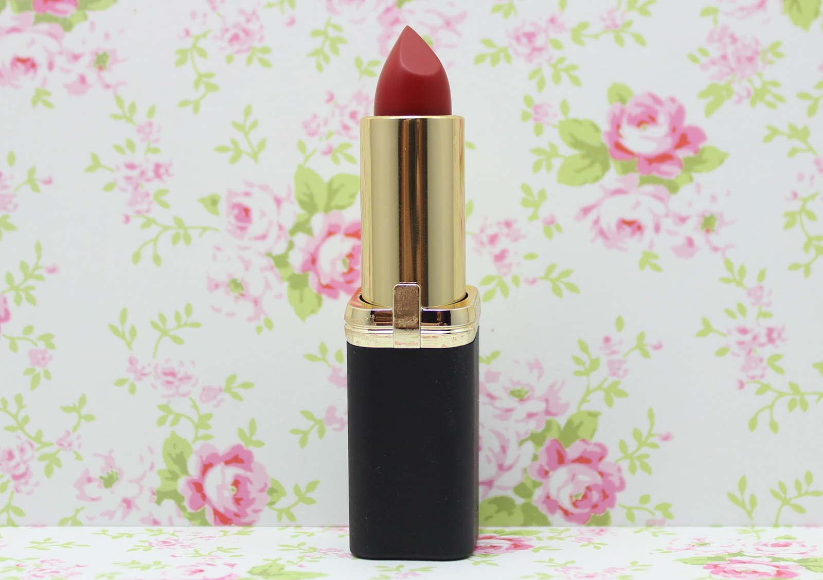 L'Oreal Color Riche Collection Exclusive Reds Lipstick - Eva's Red