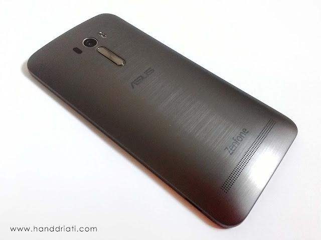 Design Body Belakang ASUS Zenfone Selfie