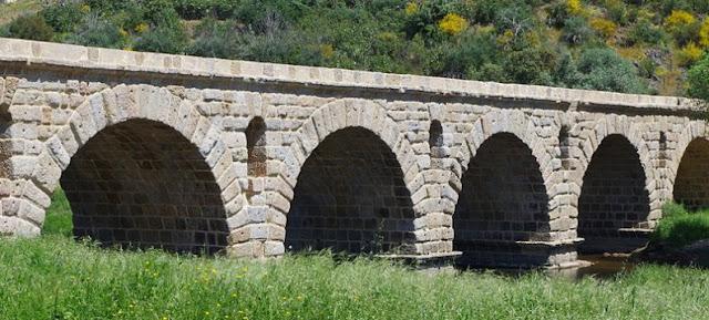 Puente romano y servidumbre de aguas