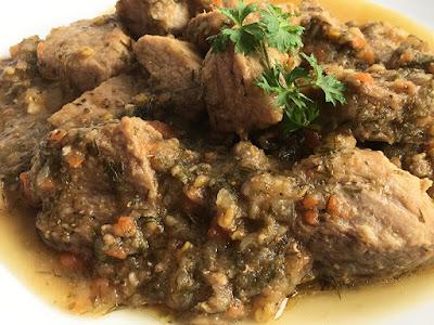 Mięso duszone z warzywami na pyszny obiad