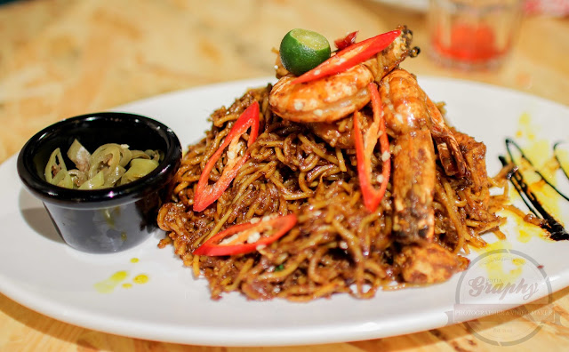 Menu Owlery Cafe - Tiger Prawn Fried Noodle
