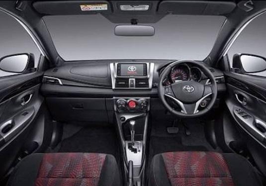 Ineterior Toyota Yaris Heykers