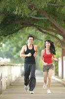 mengecilkan perut buncit dengan melakukan jogging