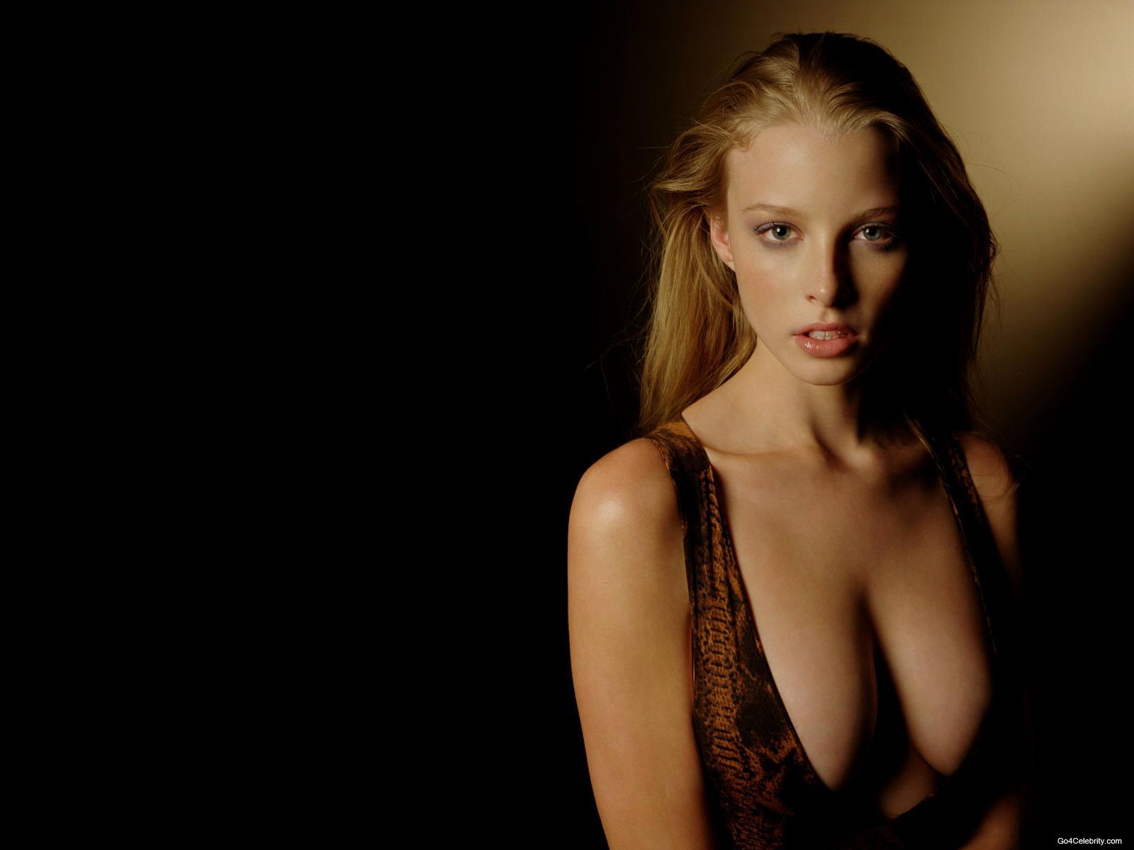 Stunning Rachel Nichols Hot Body Pics 2012 - Currentblips Snap