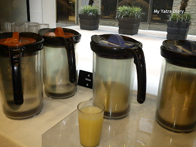 Hotel Villa Fontaine Roppongi, Japan - fresh orange juice in breakfast