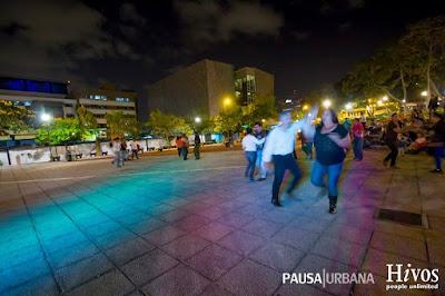 bailando en san josé, plaza de la democracia, costa rica