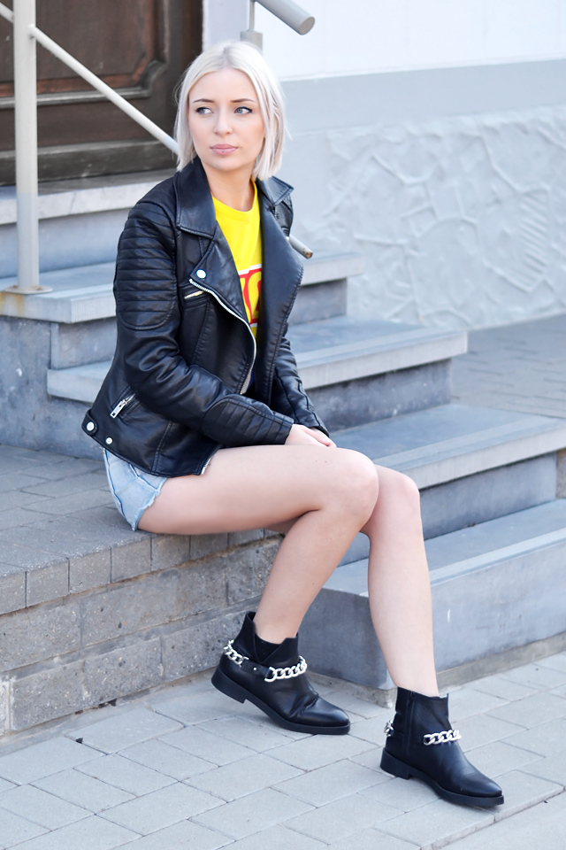 Outfit post by belgian fashion blogger: Zara leather biker jacket, by ann sofie back, back for good, yellow t-shirt, high waist , jeans, denim shorts primark, zara chain boots, givenchy inspired, biker look, street style, summer 2015, trends, inspiration